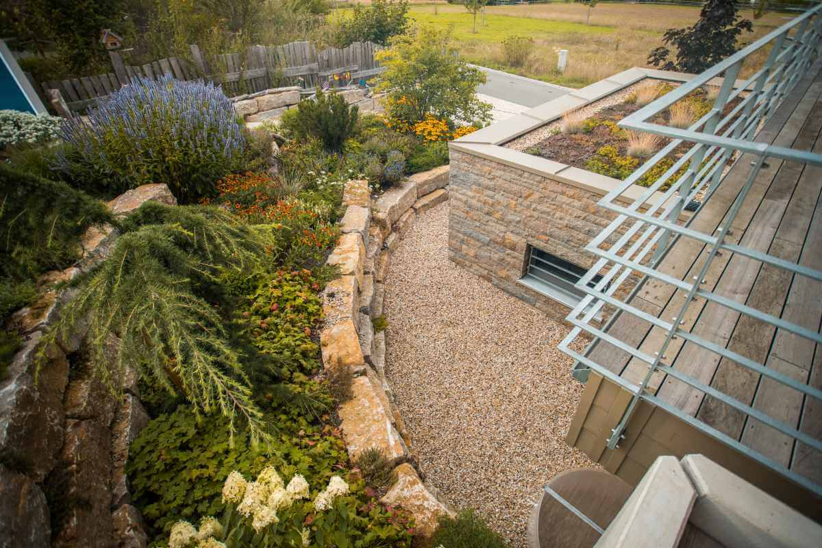 Ganzheitliche Gartengestaltung mit Treppen