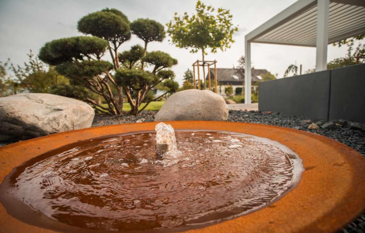 Wasserlement im Garten